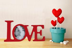 Moldura Love Disponível em 2 cores