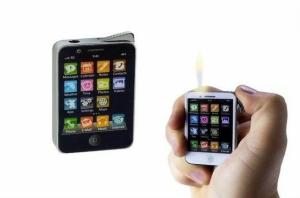 Isqueiro em forma de Iphone | Disponível em Preto ou Branco