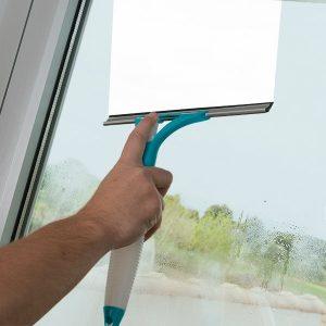 Limpa-Vidros Com Pulverizador | Útil e Prático