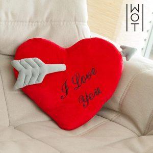 Almofada Coração com Flecha I Love You Wagon Trend (35 cm)
