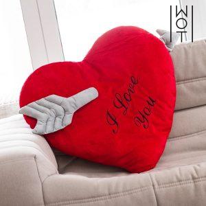 Almofada Coração com Flecha I Love You Wagon Trend (60 cm)