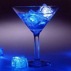 Pack 3 Cubos de Gelo Party Glow | Com Luz Constante ou a Piscar Durante 8 horas !