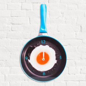Relógio De Parede Frigideira Com Ovo Frito | Disponível Em 4 Cores | Enviado Aleatoriamente