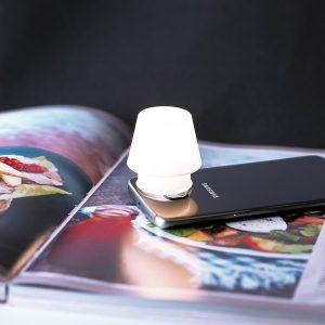Suporte para Smartphone em Forma de Candeeiro LED